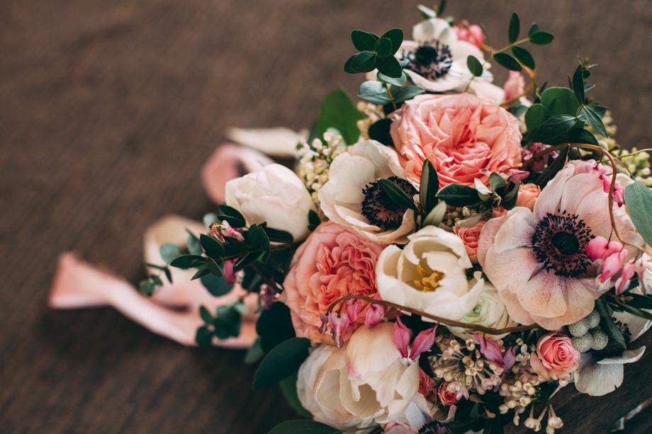 Mythe Barn Wedding Photographer-02