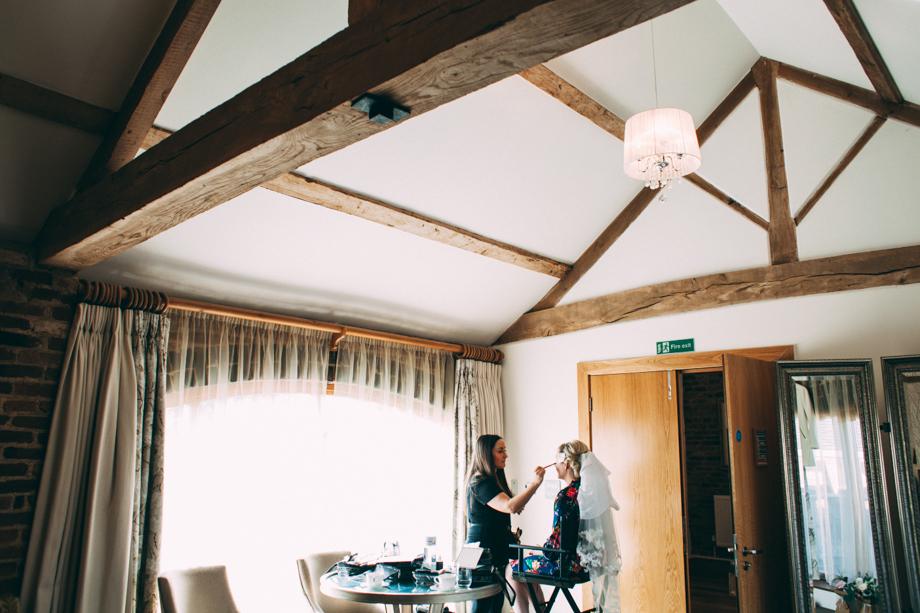 Mythe Barn Wedding Photographer-03
