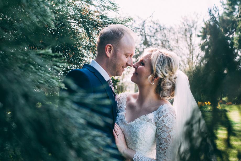 Mythe Barn Wedding Photographer-28