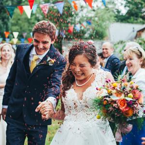 Gorgeous Devon Garden Wedding – The Previews